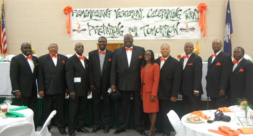 From left, Sheldon Jenkins, Sgt. Samuel Middleton, John Wilson, James Jenkins, Benjamin Bryant, Shyvonne Alford, Louis Mayrant, the Rev. Ronald Casey, John Mustapher, and Henry Griffin during the recent meeting.
